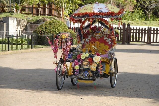 Alcohol in pedicabs is okay in California, for passengers only